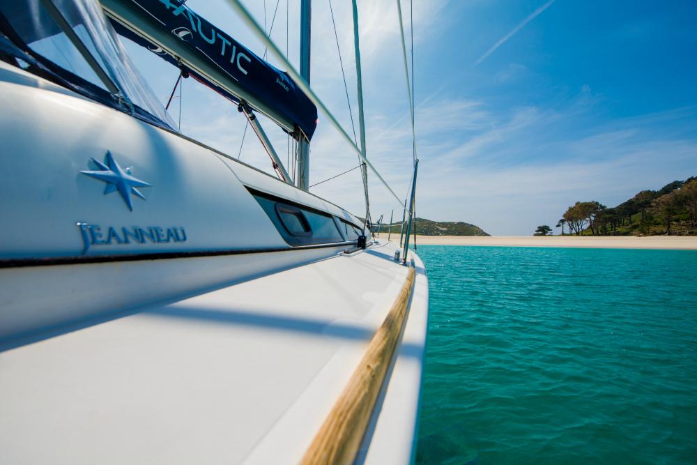 Jeanneau, con 40 pies de eslora, un velero bonito, Fanautic Club